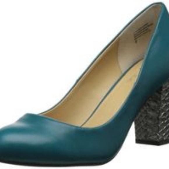 04a57f0ef33 Teal Seychelles pump with silver block heel. M 5c33c36ede6f626146fe74a8